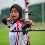 Atlet panahan Indonesia Diananda Choirunisa sekarang tinggal menanti lawan di babak 32 besar. (foto: NOC Indonesia)