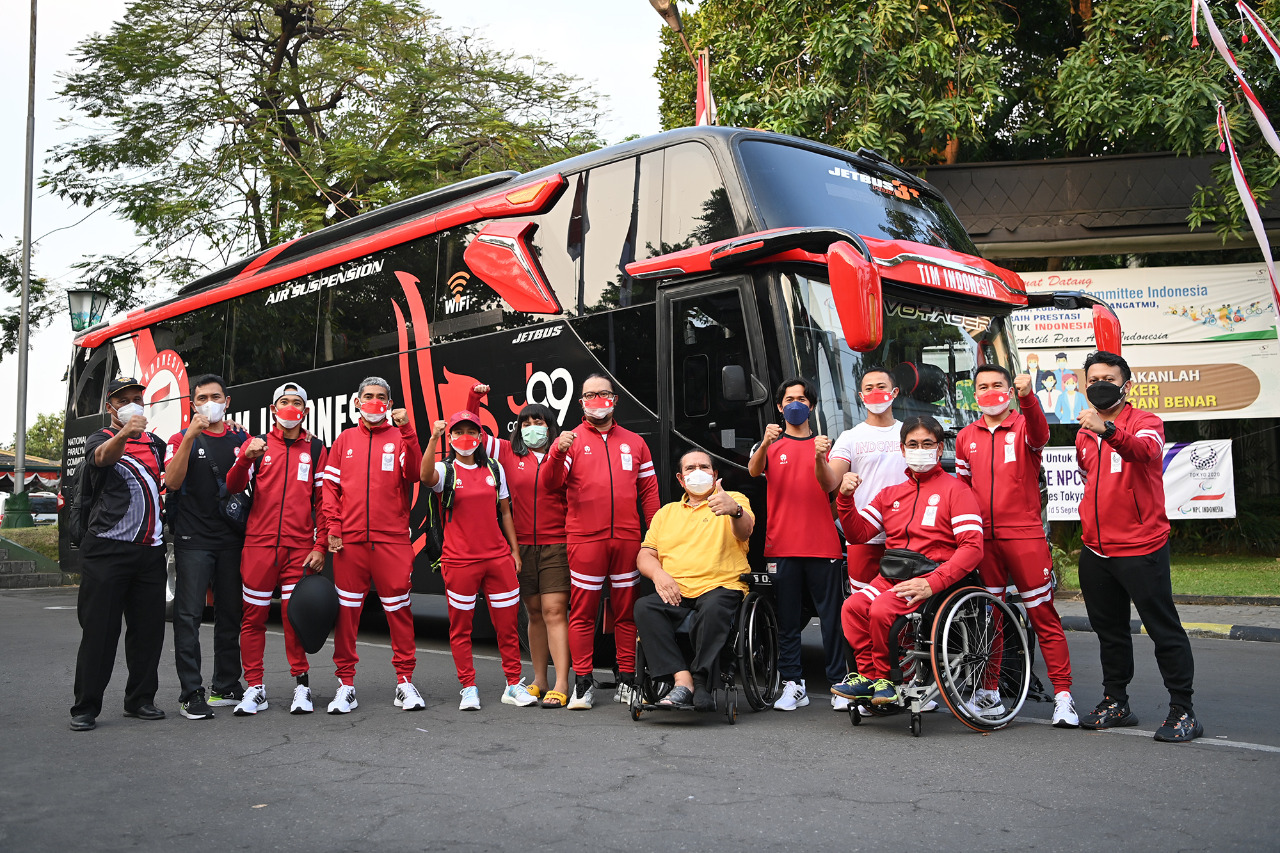 - Ketua Umum National Paralimpic Committee (NPC) Indonesia Senny Marbun